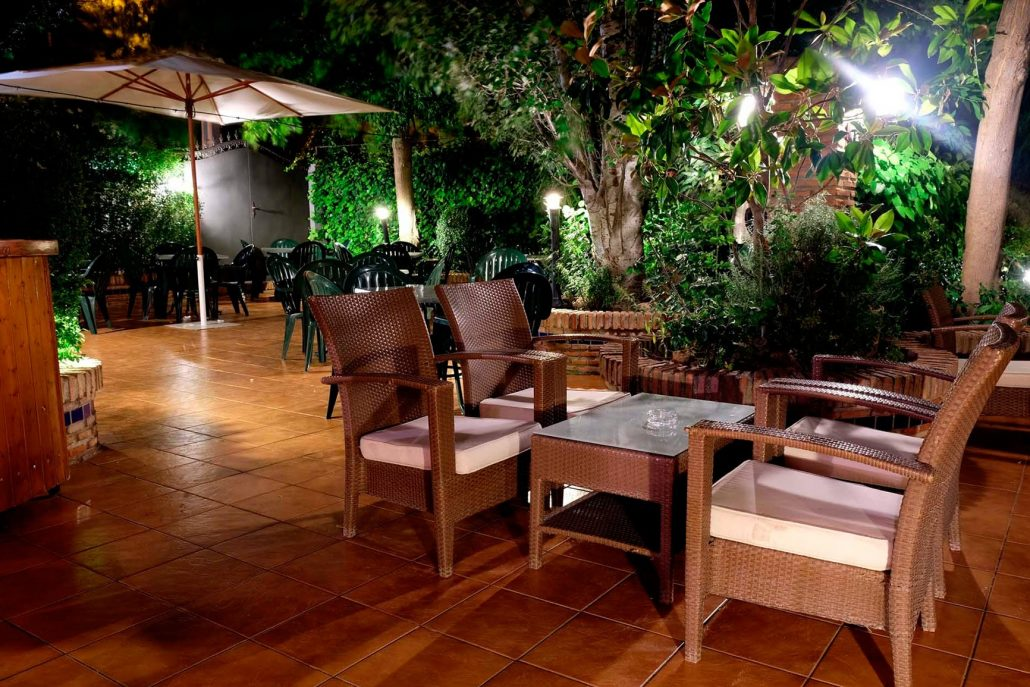 Terraza jard n chill out damilia restaurantes - Terrazas chill out ...